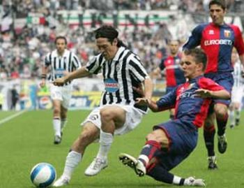 Mimmo Criscito against (and not with) Juventus