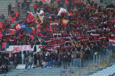 1000 Genoa-fans in Stadio Olimpico supported the team to the first victory in Rome in 49 years
