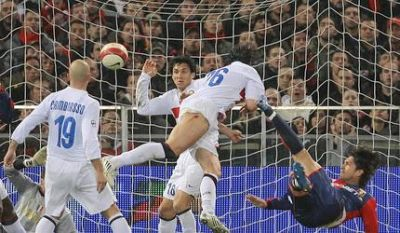 Marco Borriello scores with a great volley against Inter