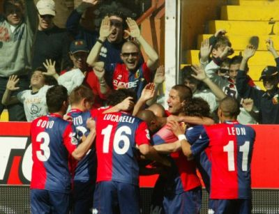 Genoa-players celebrate one of the goals against Torino