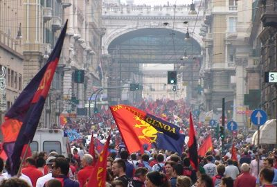 Genoa-fans on the way to Piazza de Ferraris to celebrate
