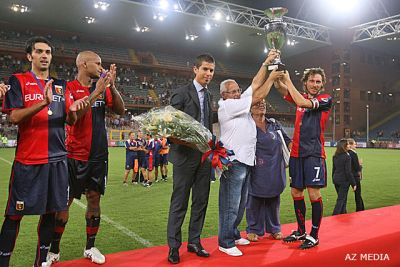 The parents of killed Claudio Spagnolo give the trophy to Marco Rossi