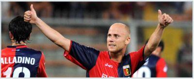 Luciano Figueroa celebrates a goal