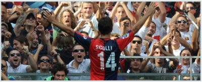 Giuseppe Sculli celebrates his goal against A.C. Milan