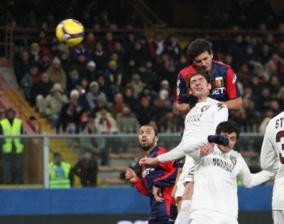 Thiago Motta scores the 3rd goal against Torino