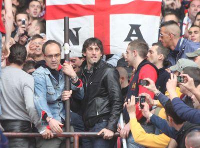 Diego Milito in Gradinata Nord during Genoa-Lazio (foto il Secolo XIX)