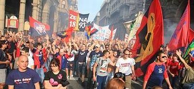 Genoa-fans in the city-centre after reaching Europa-League on 17th may 2009