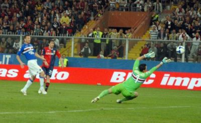 Milito scores the 2nd goal against Sampdoria in the 73rd minute