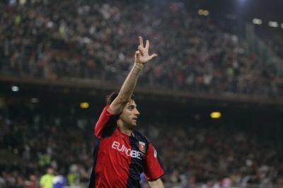Diego Alberto Milito scored all Genoa-goals in the derby !!