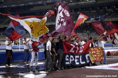 Before every match between the two teams the supporters of both sides walk together with their flags in the stadium to express their friendship