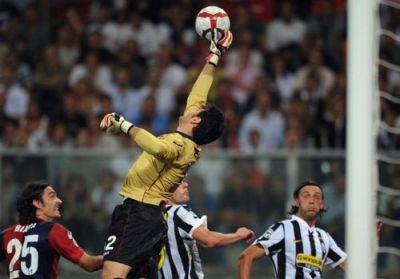 Marco Amelia against Juventus