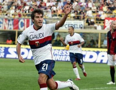 Alberto Zapater celebrates his deciding 1-3 goal in Bologna