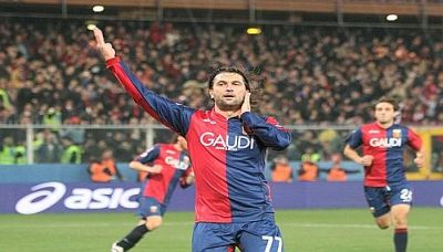 Omar Milanetto celebrates the openinggoal against Sampdoria