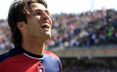 Robert Acquafresca celebrates one of his goals with Cagliari