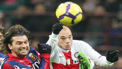 The 2 playmakers together: Omar Milanetto and Wesley Sneijder