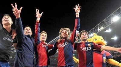 The best foto after every derby: Genoa-players celebrating another victory