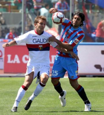 The new teammates (?) at the left side of the field next season: Mimmo Criscito and striker Jorge Martinez