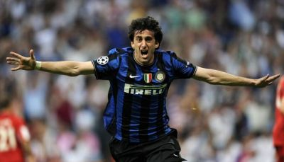 Diego Milito celebrates his first goal in Champions League final against Bayern