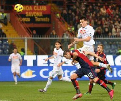 Hamsik scores the only goal in Luigi Ferraris (11-12-2010)