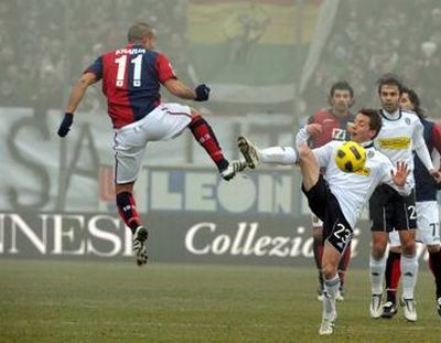 Houssine Kharja probably played his last match with Genoa before he flys further to Napoli or Lazio