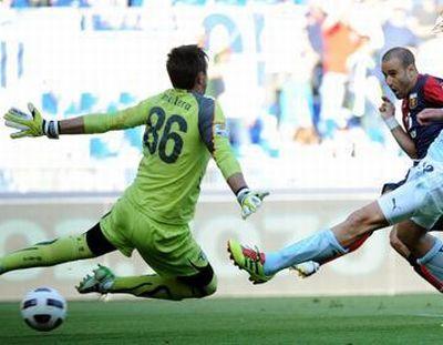 Rodrigo Palacio scores the equalizer against Lazio: 1-1