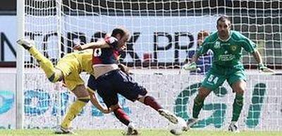 Rodrigo Palacio opened the score in Verona with his 4th goal of the season