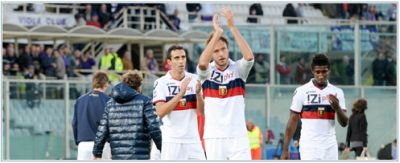 The Genoa-players thank the supporters who came to Florence to support the team