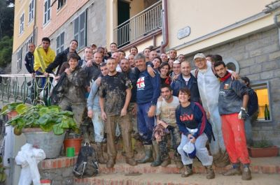 Genoa supporters decided to help the people of Monterosso after the flood on Wednesday 26th October in stead of watching the match in Florence