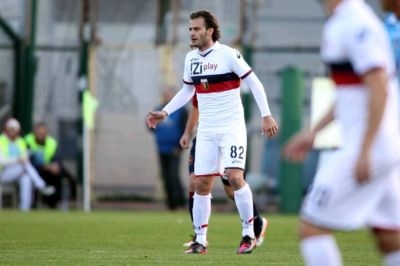 Alberto Gilardino was on an island in 2 ways: on the island Sardegna and on the island in the team of Genoa