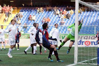 Rodrigo Palacio opened the score with a fantastic backwards shot
