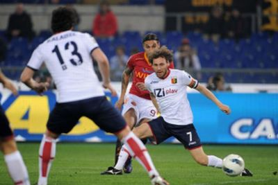 Osvaldo beats Marco Rossi and scores the only goal in Stadio Olimpico