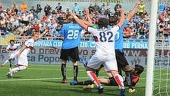Gilardino and Palacio are happy with the goal of Marco Rossi in Novara