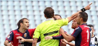 "Referee Tagliavento send Rodrigo Palacio off thinking that he screamed ""Vaffa…"" to him but it was towards Moretti"