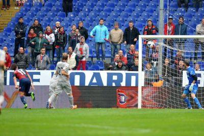 Alberto Gilardino scores 1-0